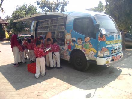 Perpustakaan Keliling sebagai Sarana Literasi Siswa