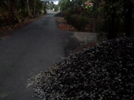 Material Pembangunan Rabat Jalan Desa Gadingharjo Telah Siap
