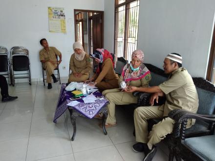 Pemeriksaan Kesehatan Pegawai Pemerintahan Desa Gadingharjo